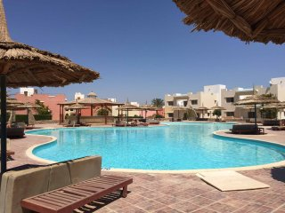 Very LUXURY 1BD GARDEN SUITE (120 m2) in VILLA with POOL VIEW / AMWAJ HOTEL,Nabq