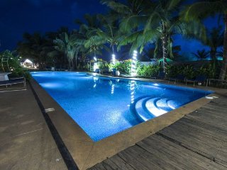 Contemporary stay for two, 230 m from Candolim Beach
