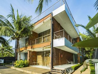 Sea-facing villa for three, near Candolim Beach