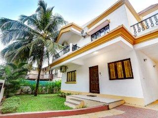 3-BR pool villa for 10