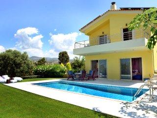 Citron Pale Luxury Villa, Dimitras Villas, Kalo nero beach, Messinia