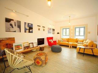 Villa Aeriko/ Contemporary and luxurious design