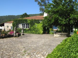 English House - cozy villa, very peaceful with pool and garden