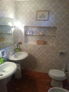Bathroom with shower ground floor