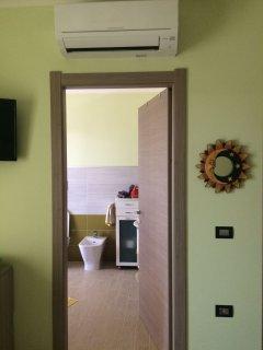 ingresso bagno in camera