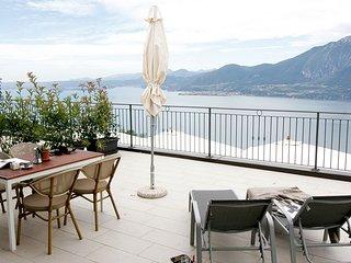 Castagno, appartamento con splendido panorama sul Garda - Agriturismo Scriciol