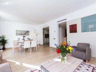 Rambla Catalunya 10 3 bedrooms apartment