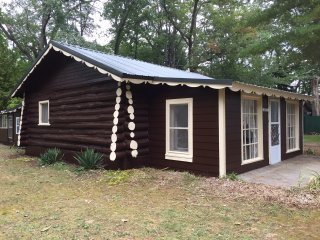 NEW LISTING! Grandpa's Log Cabin Sleeps 6 Near Crystal Lake