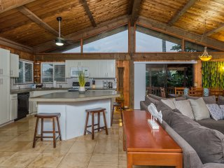 Sunset Surf Cottage (3bed) - near Sunset Beach. Jan dates now open!