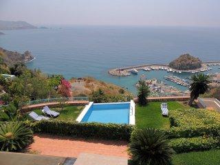 Villa en lugar privilegiado, con vistas extraordinarias