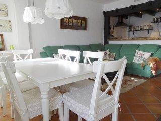 Casa Familiar con capacidad para 14 personas en zona Alta Sierra Nevada