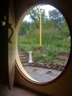 Bonita vista desde el interior de la casa se ve.