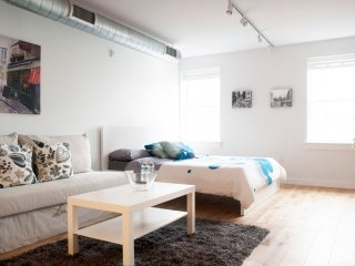 Cozy studio in Old City by newhaus