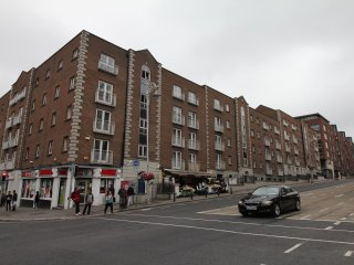 X Middle Gardiner Street Apartment **