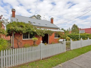 Rose Cottage - Albury, NSW
