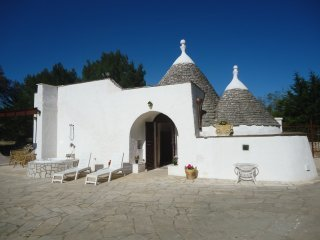 TRULL OF PARADISE WITH POOL-WHITE OSTUNI-PUGLIA