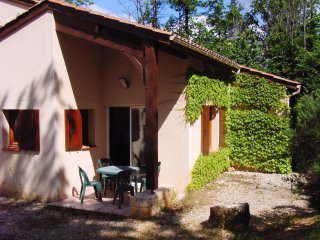 Villa 4/6 pers. #04 in **** Dordogne Holiday Resort
