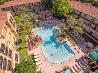 2 Bedroom Vacation Rental at Blue Tree Resort, Orlando