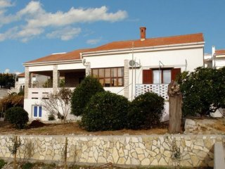 Holiday home porta  three bedroom house 8 ps.