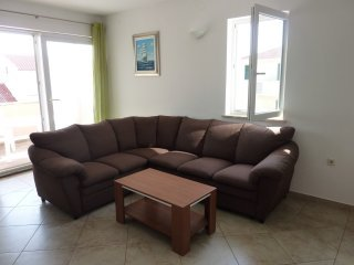 Kustici-Porat Two bedroom apartment with balcony5p