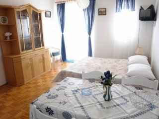 Lunjski put *** Four bedroom apartment-12ps