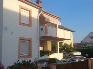 Bozena Nin - One bedroom apartment with balcony-3p