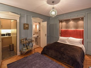 Luxury Self-Contained Studio in Belgravia
