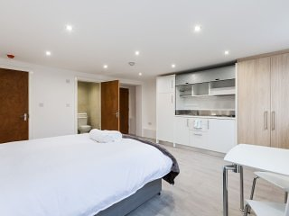 Self-Contained Studio Flat - Camberwell 2a
