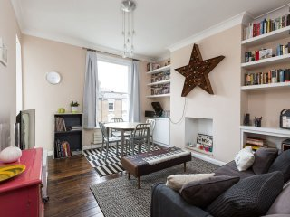 Designer and cosy 3 bed family flat in lovely area