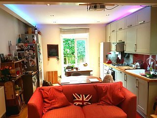 Quirky 2bed flat with patio near Clapham Common