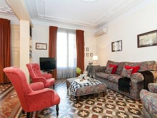 3br Modernist Pg de Gracia high ceilings - Dandi