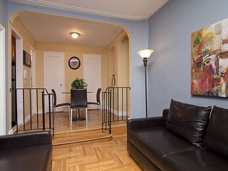 Gorgeous 1BR in Chelsea (8208)