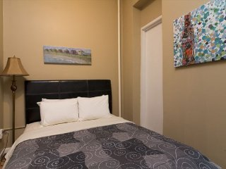 Lovely 2BR+2Bath in Times Square (8219)