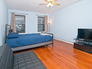 Spacious Studio - Upper East - Min 30 Days /81 #5A
