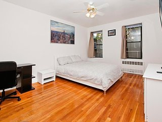 Renovated 2BR in the UES (2C)
