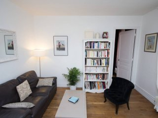 Superb apartment between Montmartre and Monceau