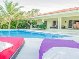 Private Vacation villa with pool in sosua for large groups