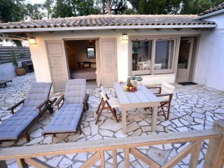 Aki's Nest | Paxos Retreats