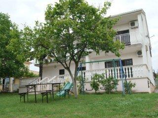 Apartment Danijela (6+2) 493