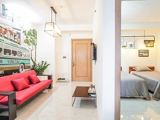 80s STYLE APARTMENT - 3bed - 2' walk to My Khe Beach