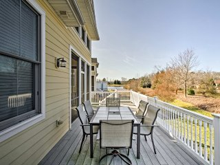 NEW! 3BR Selbyville Townhome on Golf Course w/Deck