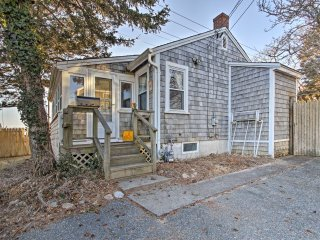 'Dunrovin Family Retreat' Buzzards Bay Home w/View