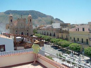 Appartamento in piazza, le terrazze sul duomo 4/6 letti, spiaggia, posteggio