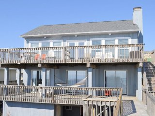 4BR / 2.5BA - Oceanfront, Single Family House, Sleeps 8 - Mintz House