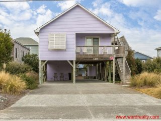 Sound Views - 3BR / 2 BA - Screen Porch - Sleeps 6 - Tranquil Times