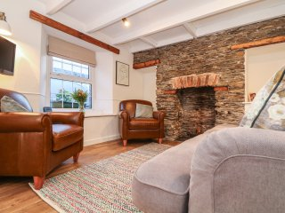 GWENT COTTAGE, close to Padstow, pets welcome, enclosed garden, open fire, ref