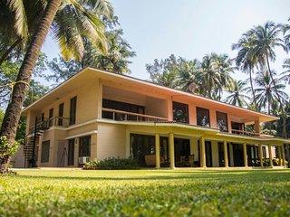 beach front pool villa  Alibag /Alibaug  kihim