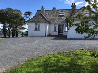 THE HIDE, lough views, ground floor bedrooms, open fire, Newtownards, Ref 949249