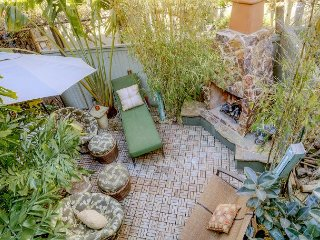 Bright & Beautiful 4BR in Newport Beach – Walk to beach! Great for long stays