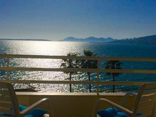 Vue mer panoramique, climatise avec terrasse en front de mer